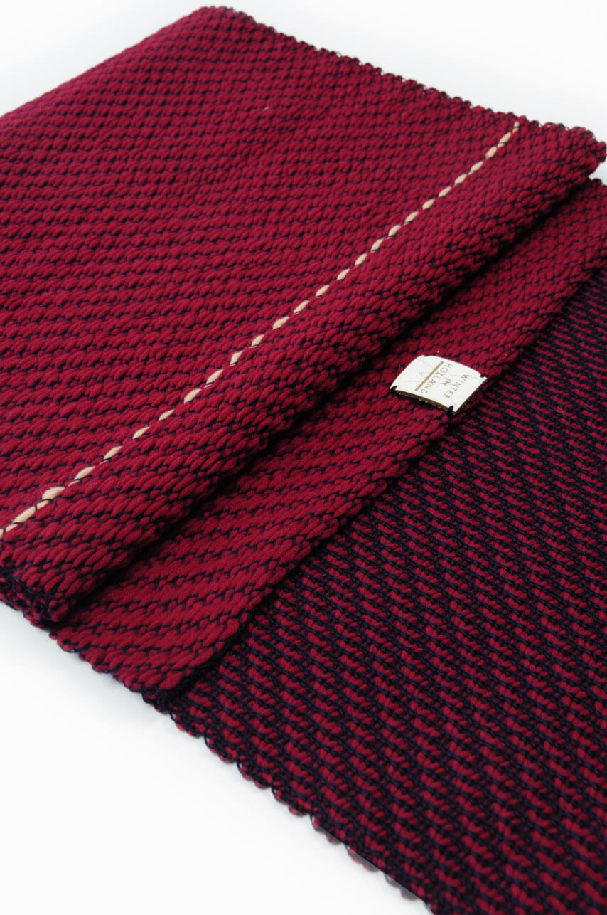 Scarf_Red_4_WEB